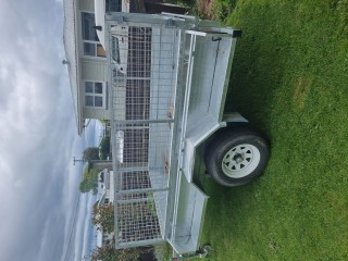 8x5 caged trailer as new
